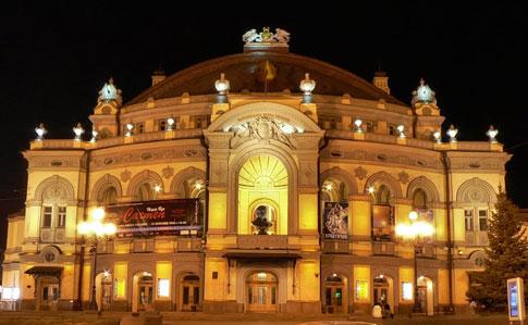 Национальный театр оперы и балета Украины